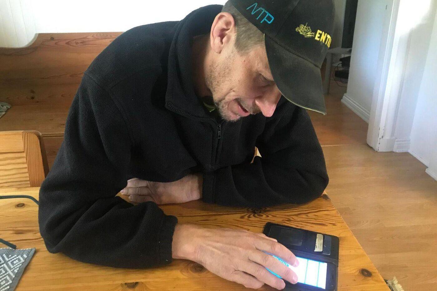 Stefan Sjödin lade ner många timmar på att spåra sitt paket hos Postnord innan han gav upp och beställde en ny - med en annan distributör.