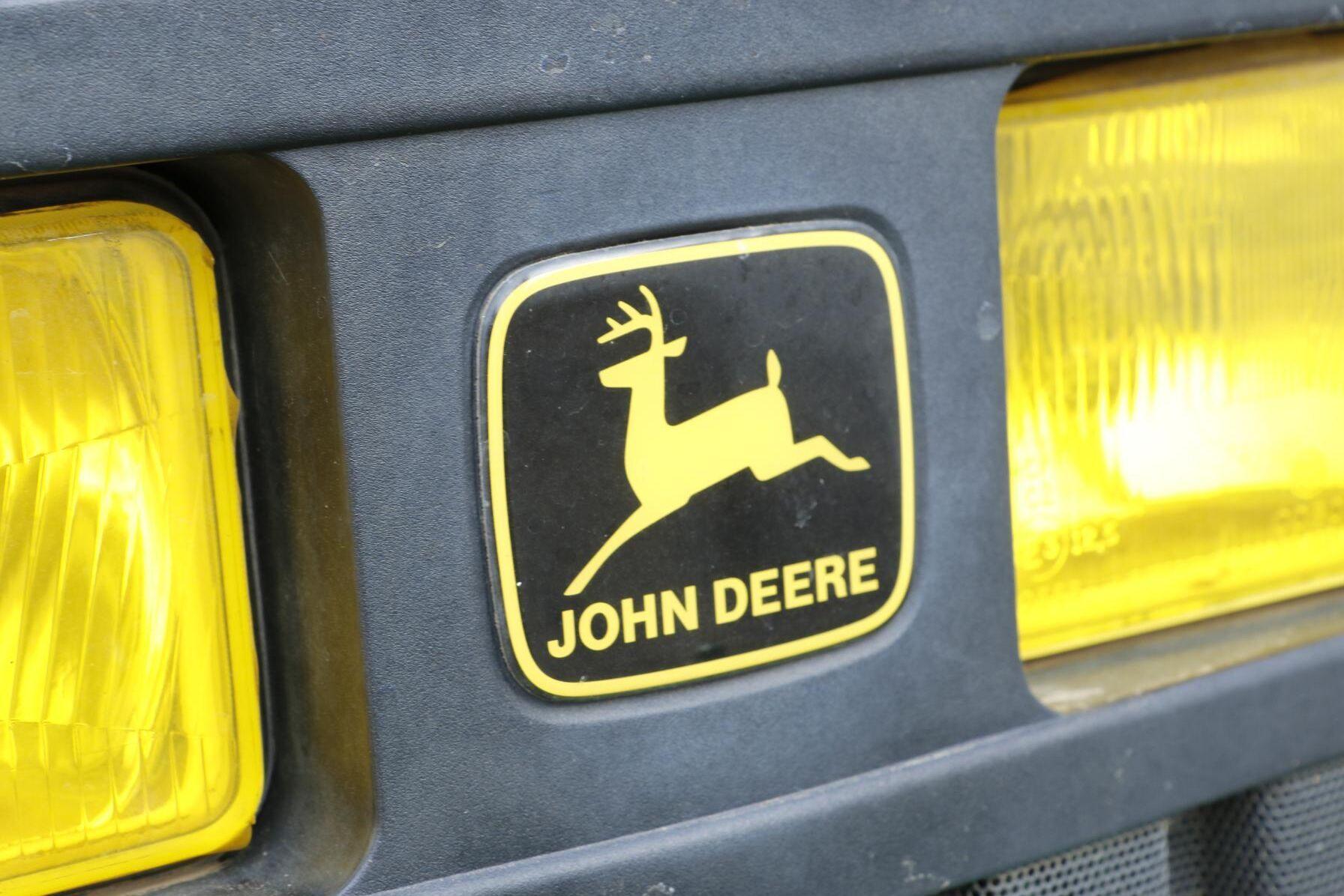 John Deere-hjorten på språng.