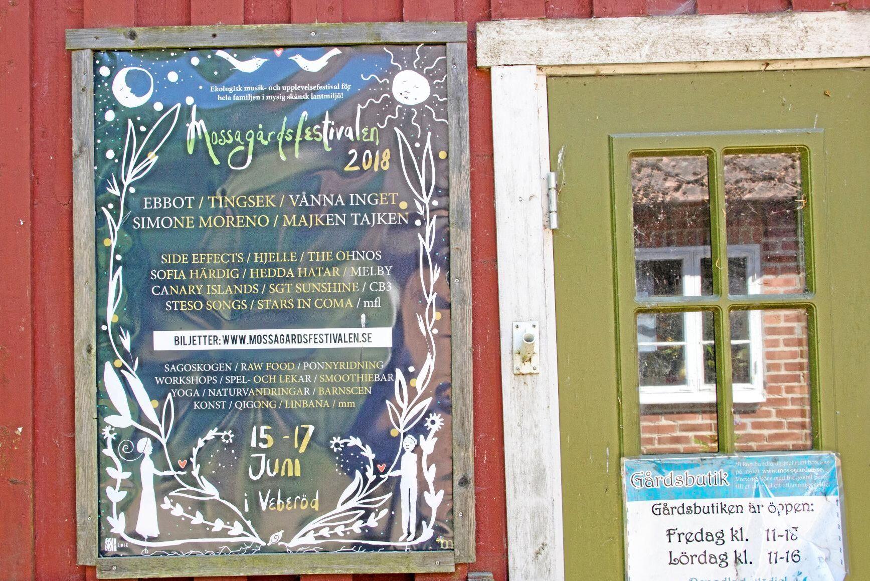 Festivalen hålls på den 60 hektar stora Mossagården med anor från 1800-talet.