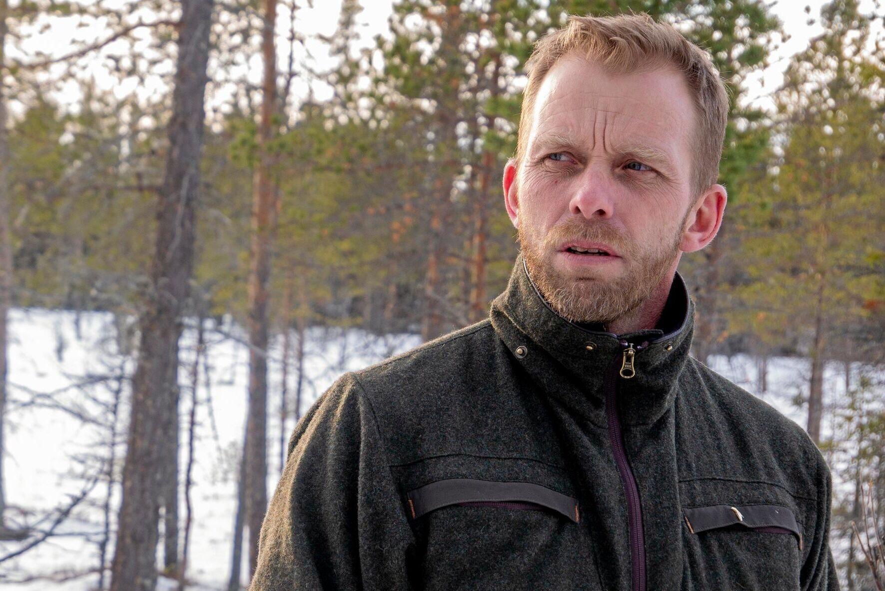 """Att skogen fortsätter brukas är avgörande för glesbygdskommuners överlevnad, enligt skogskonsulten Fredrik Eliasson: """"I norra Sverige kommer majoriteten av skatteintäkterna från skogsbruket."""""""