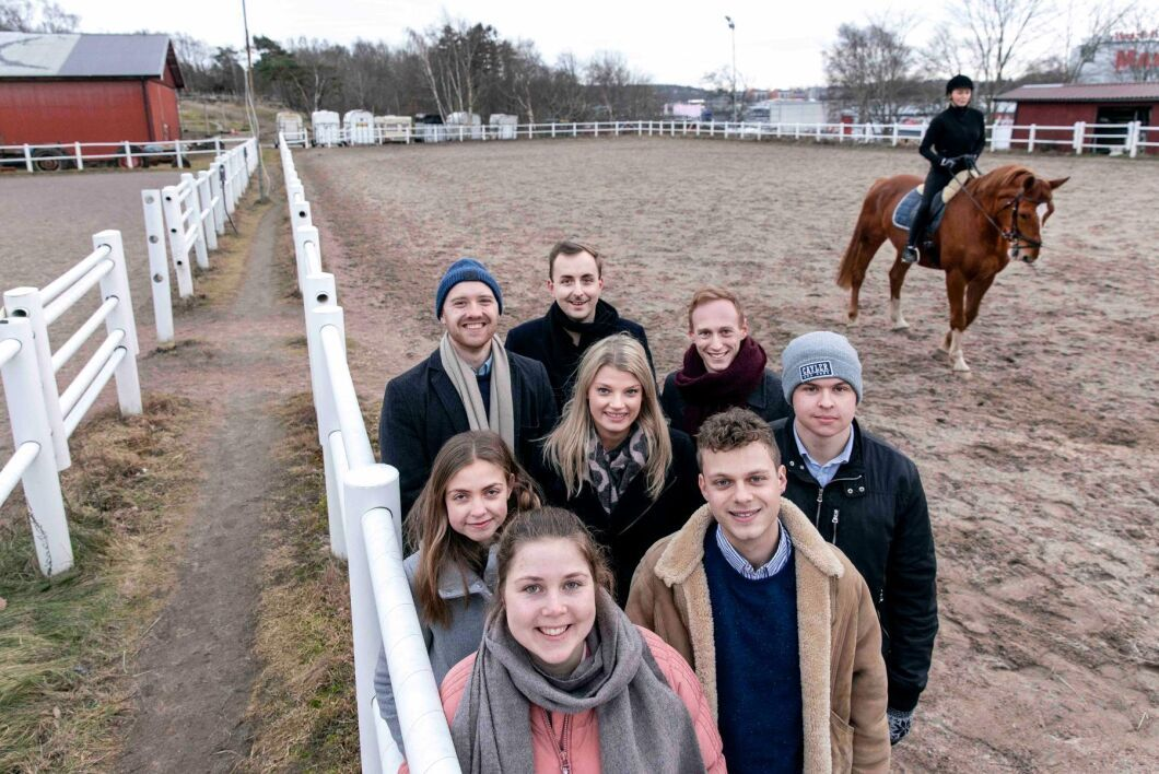 Adam Torkelsson, Tobias Olausson, Simon Bengtsson, Linn Olsson, Leon Landvall, Jenny Jäderborn, Hadrien Barbat och Klara Dahlstedt är en del av Equilabs team.