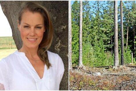 Anna Schyman ledamot i Nyks samt utbildad skogsvetare, reagerar starkt på kalendern från den tyska skogsfirman. Hon tycker att Ponsse borde kräva en offentlig ursäkt.