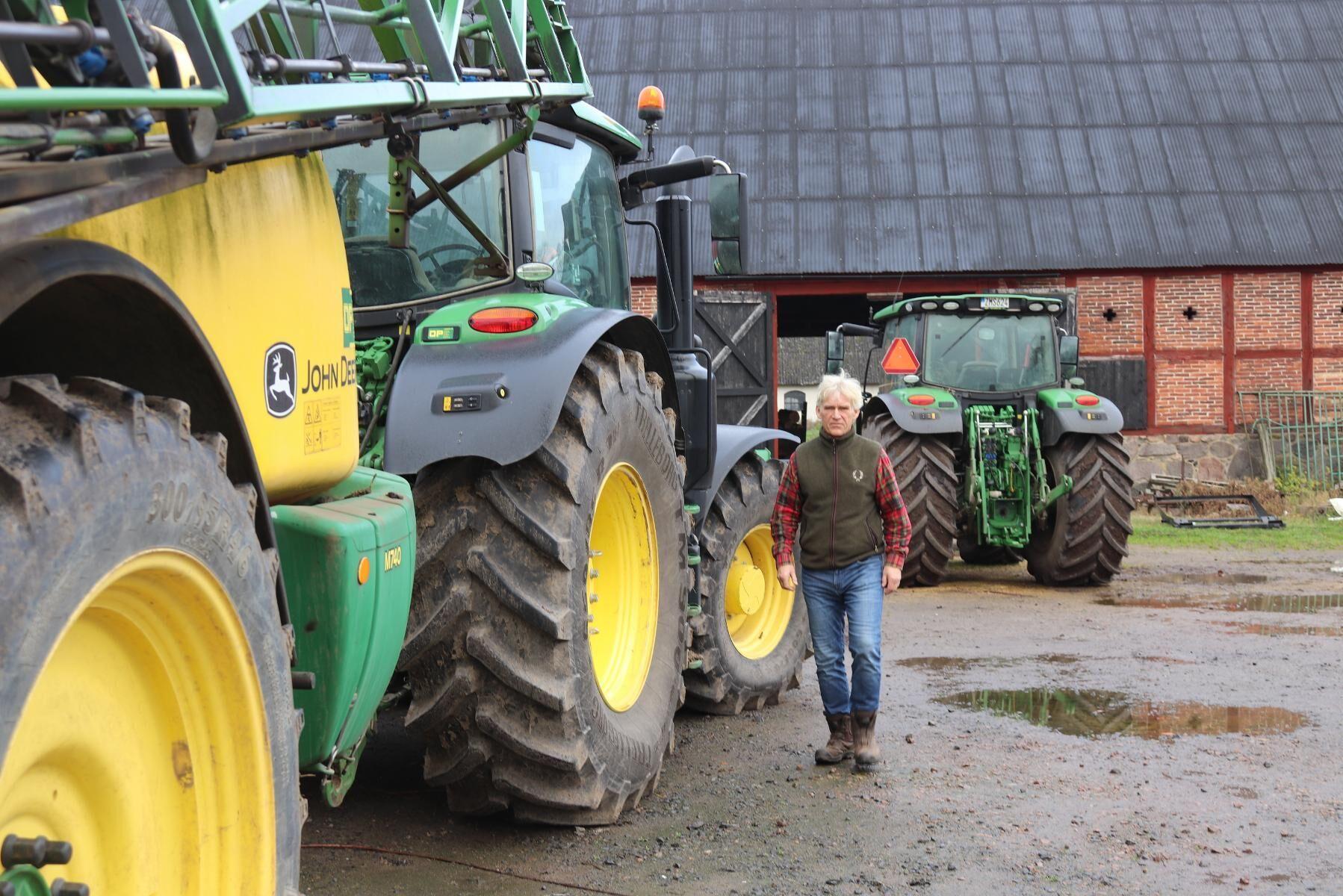 Per Åsheim på Lillö Kungsgård utanför Kristianstad som på grund av förväxling av växtskyddsmedel fick plöja upp 27 hektar sockerbetor.