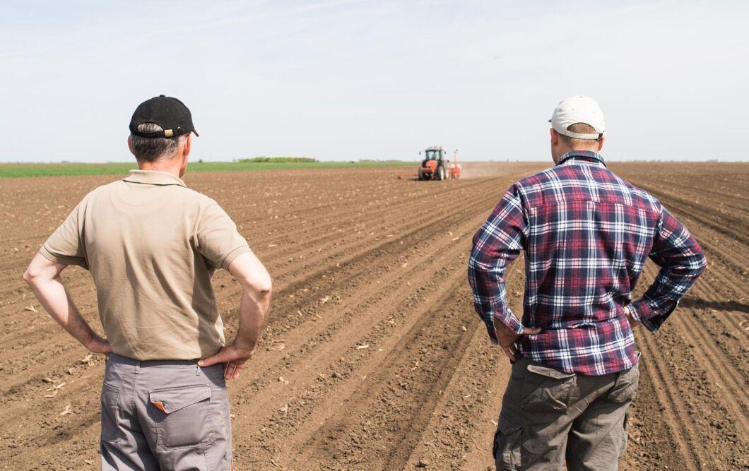 """I LRF:s rapport """"Ung och lovande – om unga lantbruksföretagare och jämställdhet"""" uppger 49 procent av de kvinnor som svarat att de har upplevt jargong eller trakasserier kopplat till sexism."""