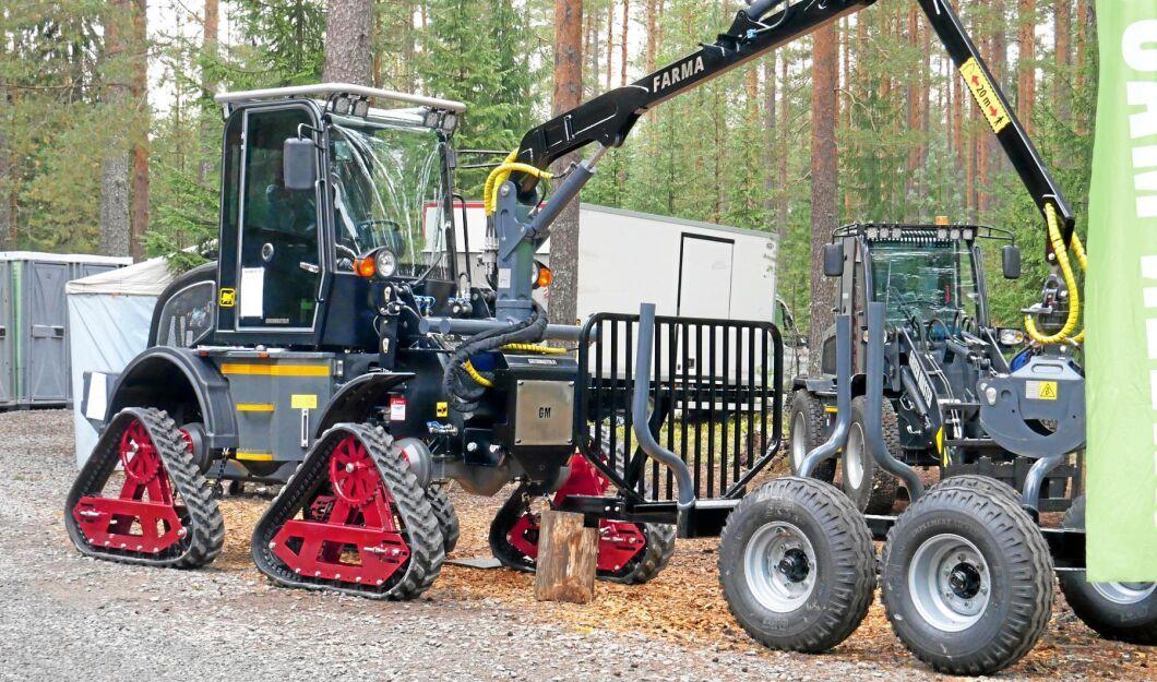 Greenmaster är en kinesisk minilastare som inför FinnMetko byggts om till en slags skogsmaskin. Den är dock ännu inte testad i skogen.