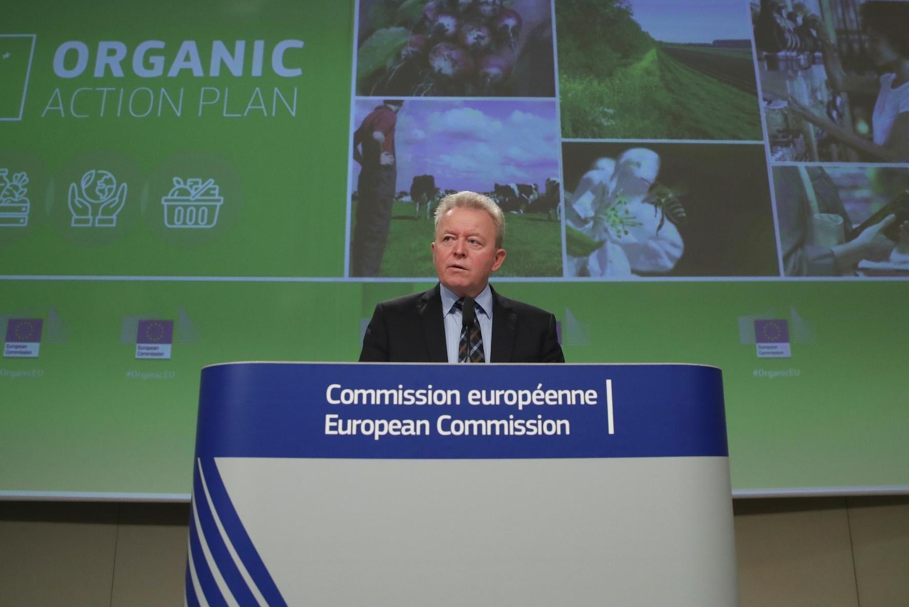 På torsdagsmorgonen presenterade jordbrukskommissionär Janusz Wojciechowski EU-kommissionens handlingsplan.