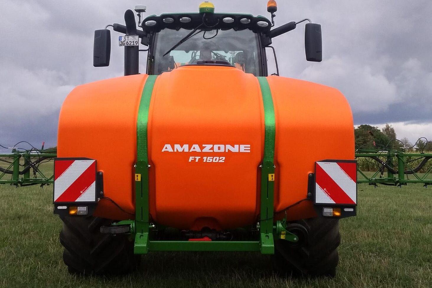 Amazones FT 1502 rymmer 1 500 liter.