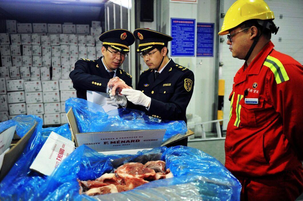 Inspektioner av importerat fläskkött har skärpts i Kina. Arkivbild