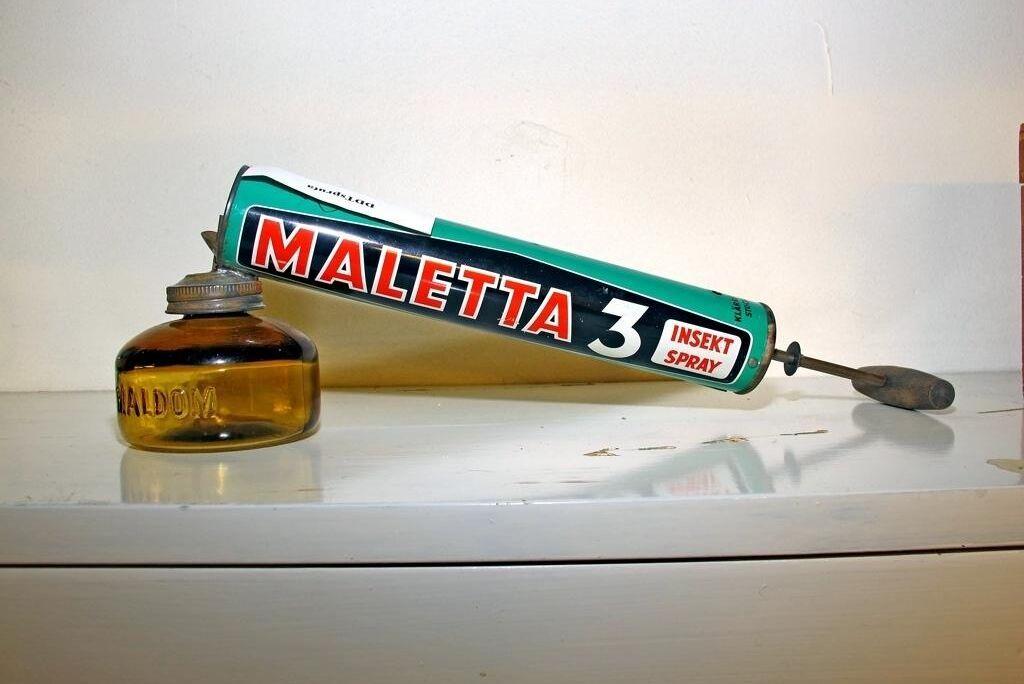 DDT-insektssprej som användes i svenska marinen förr.