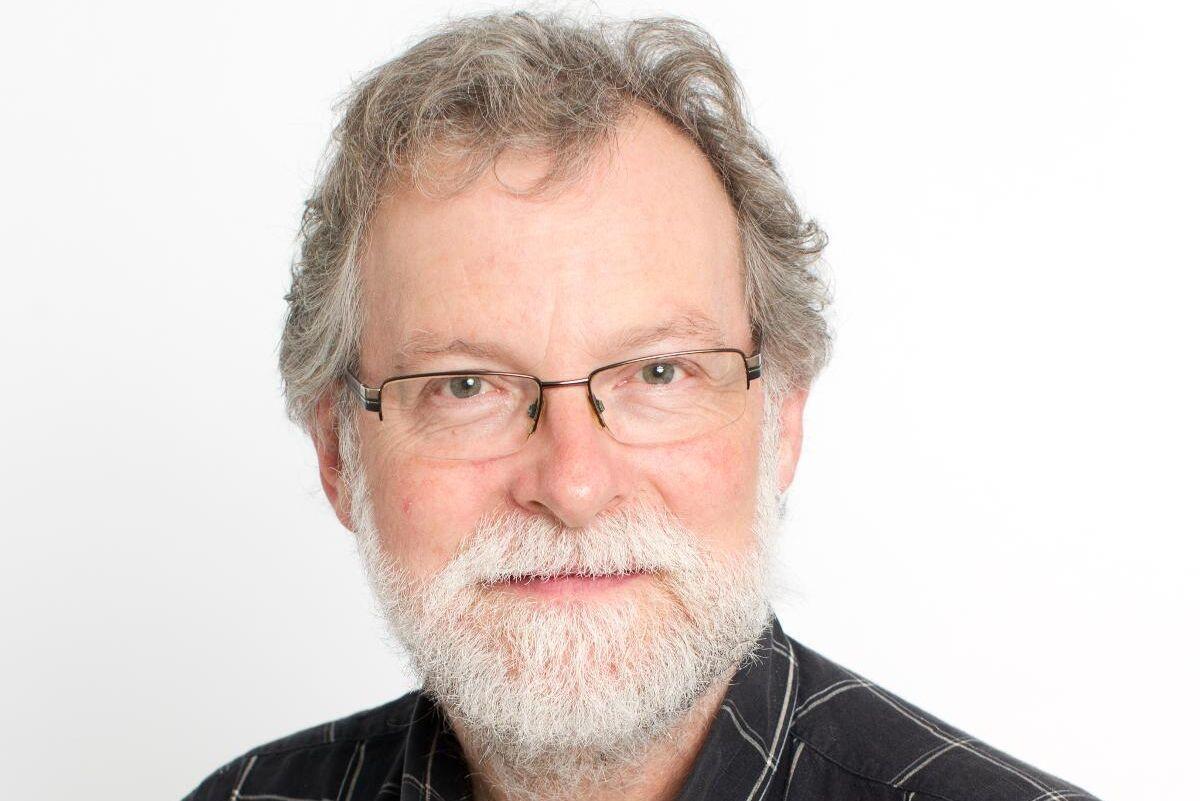Gunnar Isacsson hoppas att det blir färre skador av granbarkborre i år då skadeinsektens fiender av allt att döma vuxit i antal.