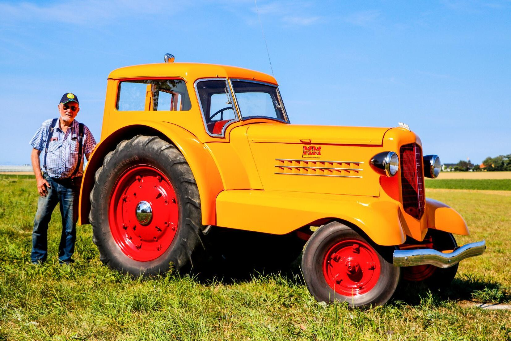Cool. Mycket häftigare än så här kan det knappt bli för en traktorsamlare. Minneapolis-Moline UDLX är en av världens mest eftertraktade traktorer och Bo Arne köpte sin i november 2019.