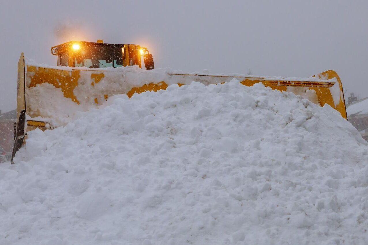 Vem ska ta hand om snön? Tolv distrikt i Hudiksvall saknar i dagsläget formellt någon som rycker ut när det börjar snöa i vinter.