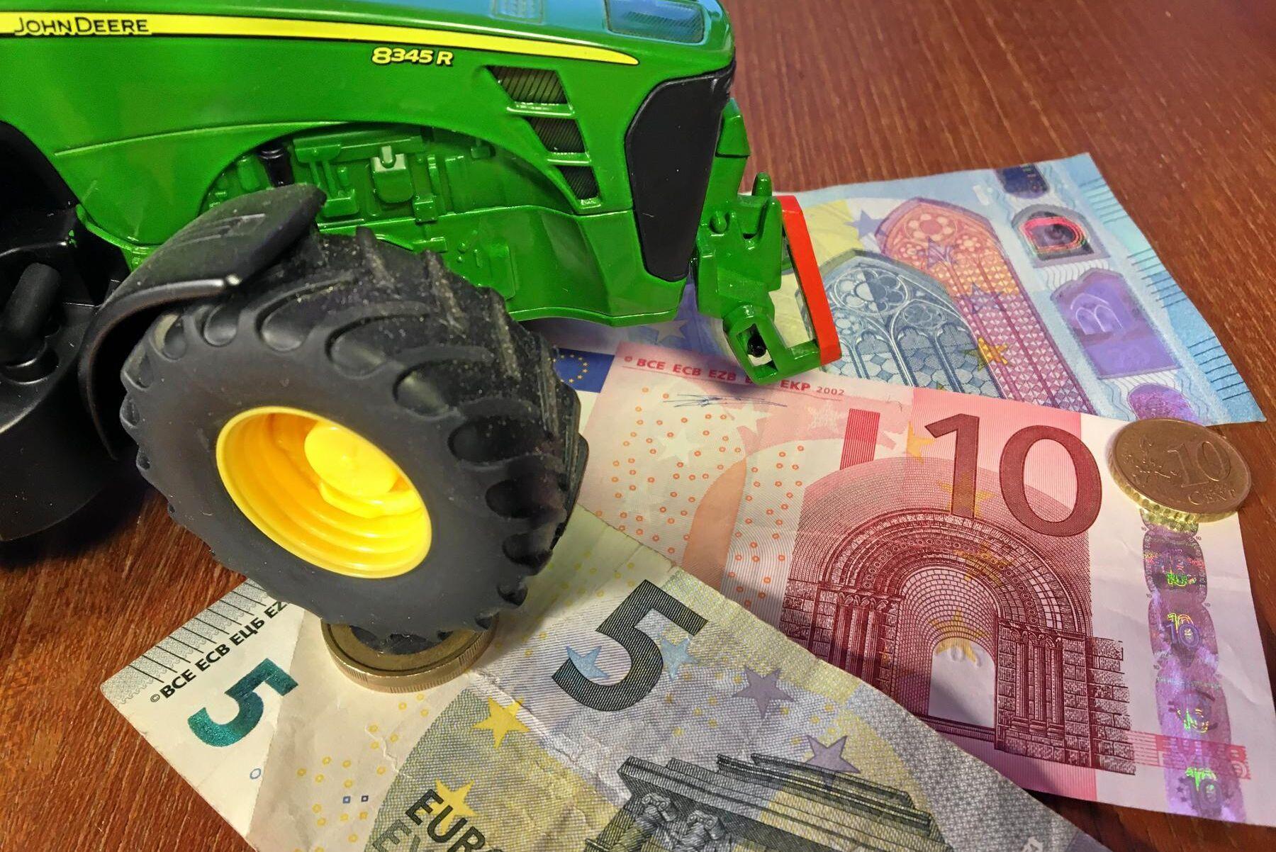 EU-kommissionen misstänker att allt inte gått rätt till när Tjeckien betalat ut stöd till stora lantbruksföretag.