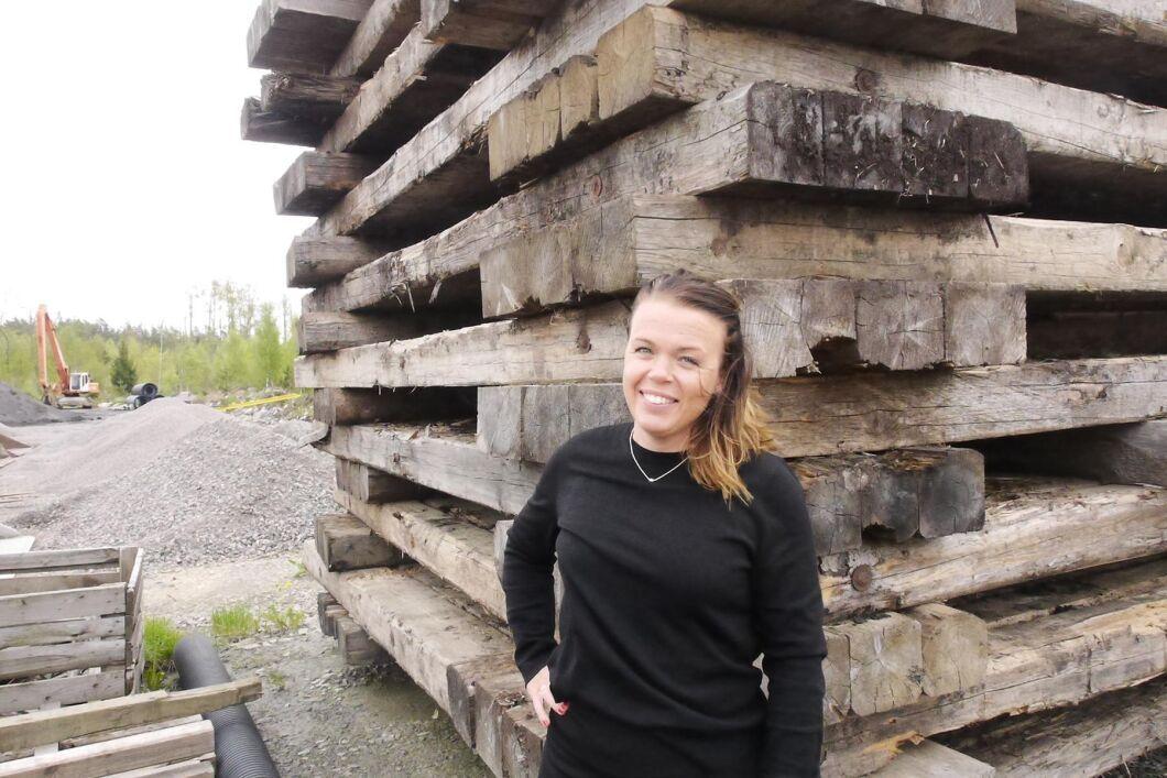 """""""Vi jobbar med samtliga kvalitéer av skogsråvaran"""", berättar Lina Sundberg från Svensk Virkesadministration."""