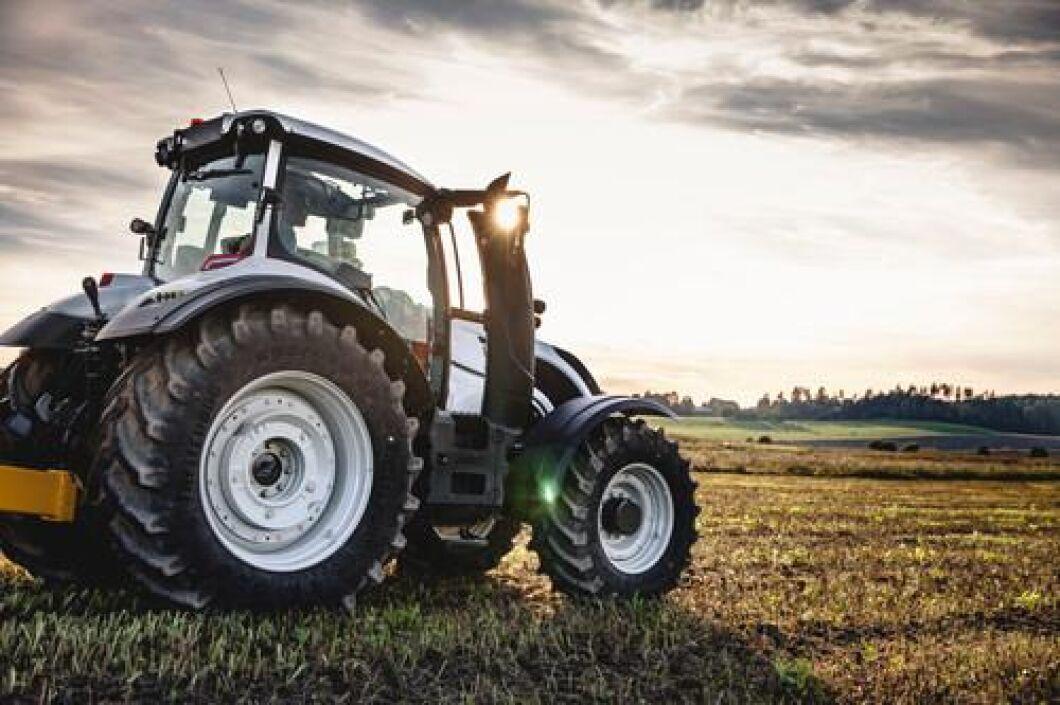 Följ alla registreringar län för län i Traktorkartan. Du hittar den direkt under artikeln.