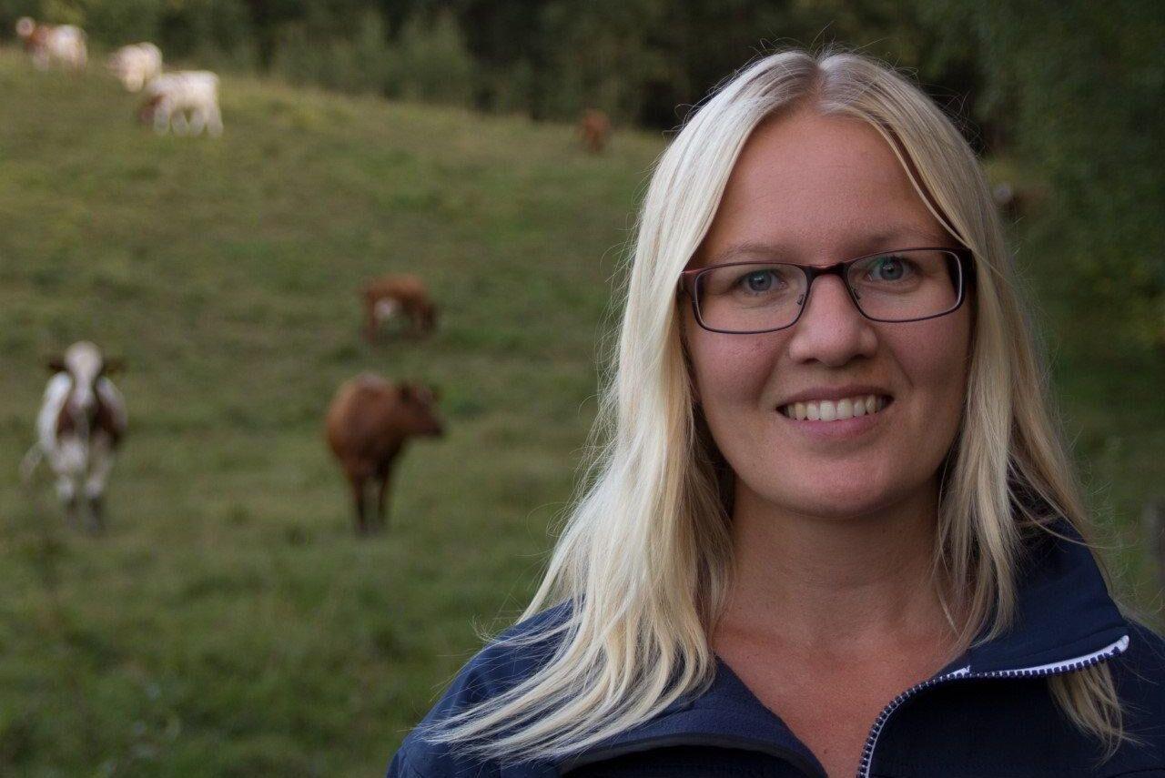 Frida Lundmark Hedman forskar om svensk djurskyddslagstiftning och kontroller.