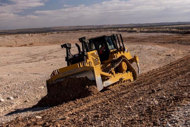 D7-modellen har fått Caterpillars steglösa transmission.