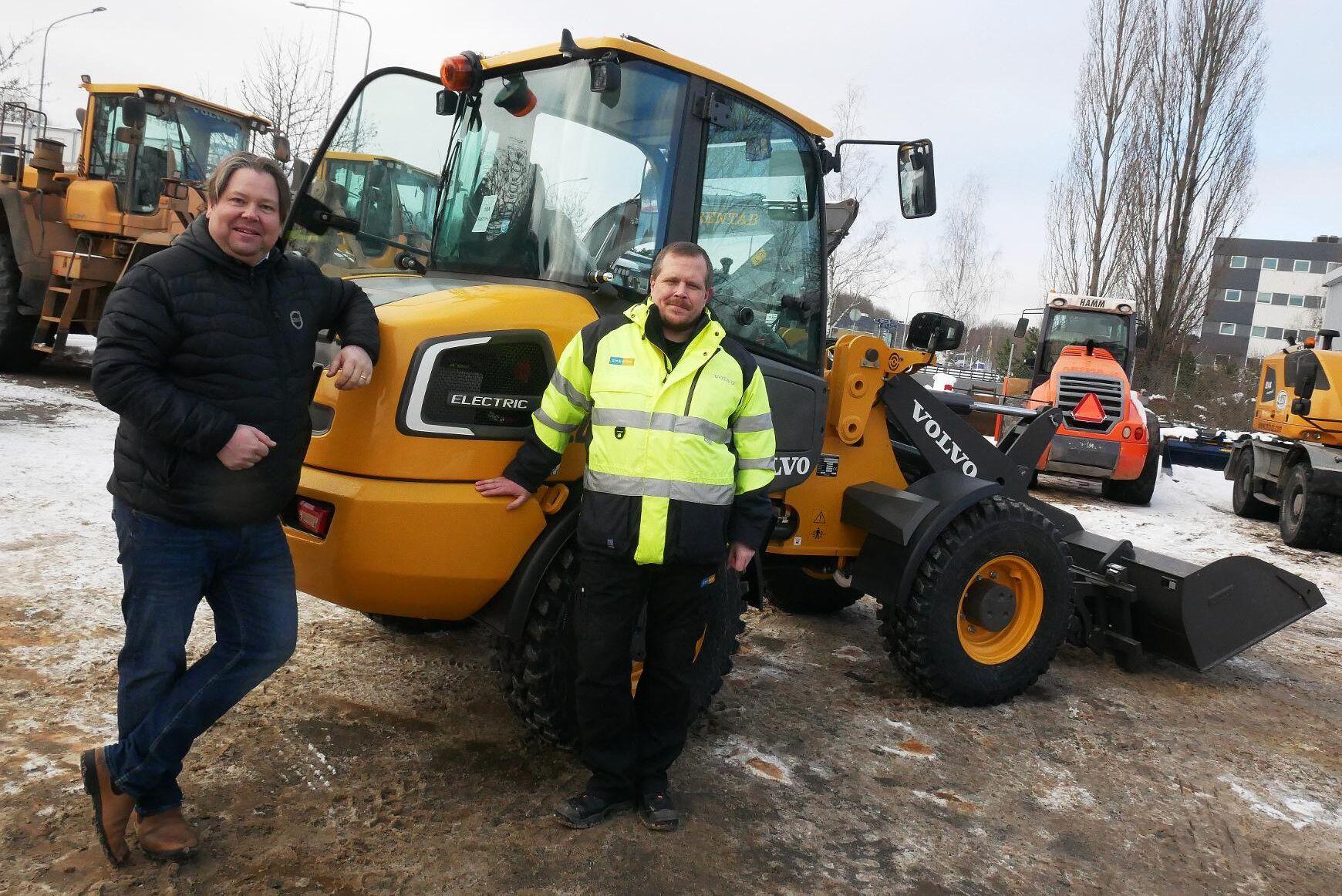 Fredrik Askling och Björn Svedbergh tror att Volvos nya L25 Electric kommer att hitta köpare när den nu finns att provköra.