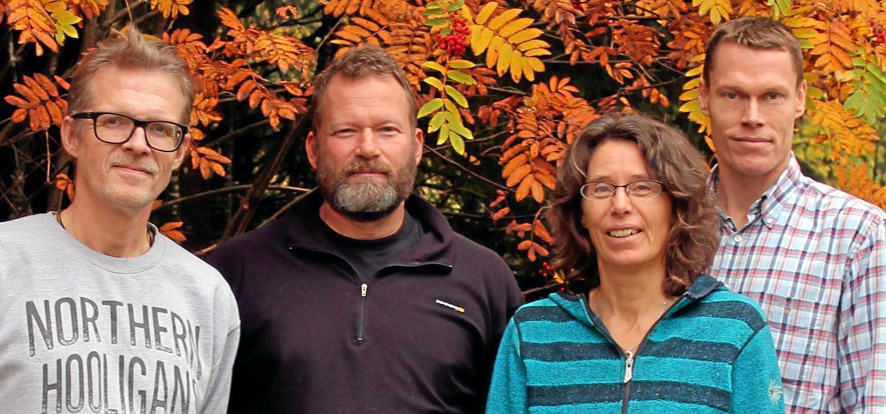 Skogsdatalabbet, från vänster till höger: Hampus Holmström, analytiker skoglig planering, Mikael Egberth, analytiker fjärranalys, Anna-Lena Axelsson, projektledare, samt Neil Cory, analytiker Riksskogstaxeringen.