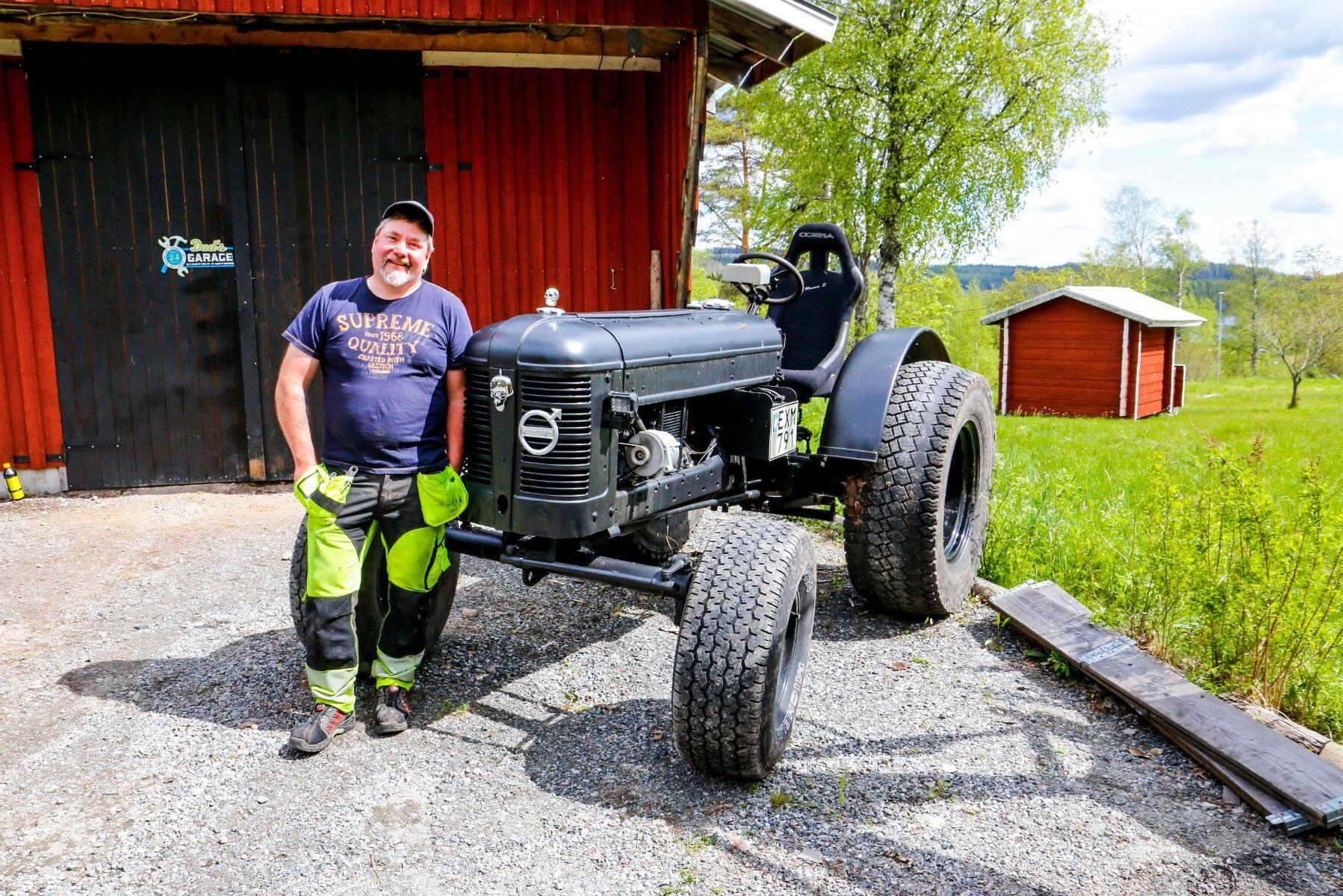 Med den Weberförgasarförsedda gamla lastbilsmotorn i, ger Jan Henningsons T22a runt 100 hästar. Det är lite skillnad mot de drygt 20 hästarna som originalmotorn besitter.