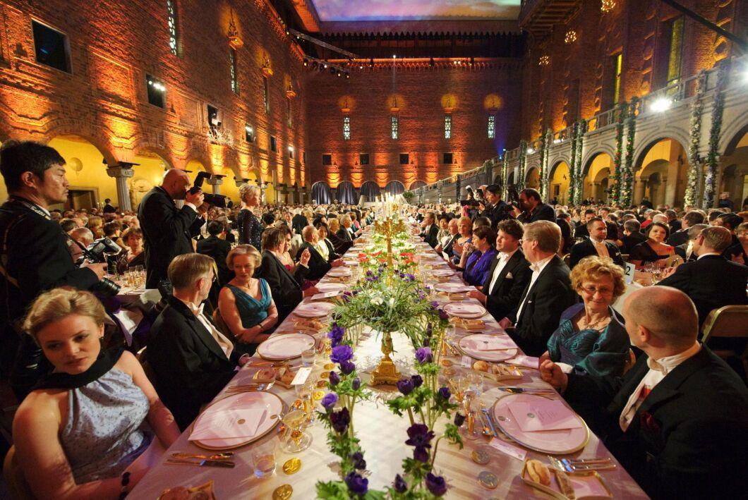 På Nobelmiddagen ligger alltid fokus på svenskproducerad mat. Varför inte servera svenskt vin? undrar Svenska Dryckesakademien. Arkivbild.