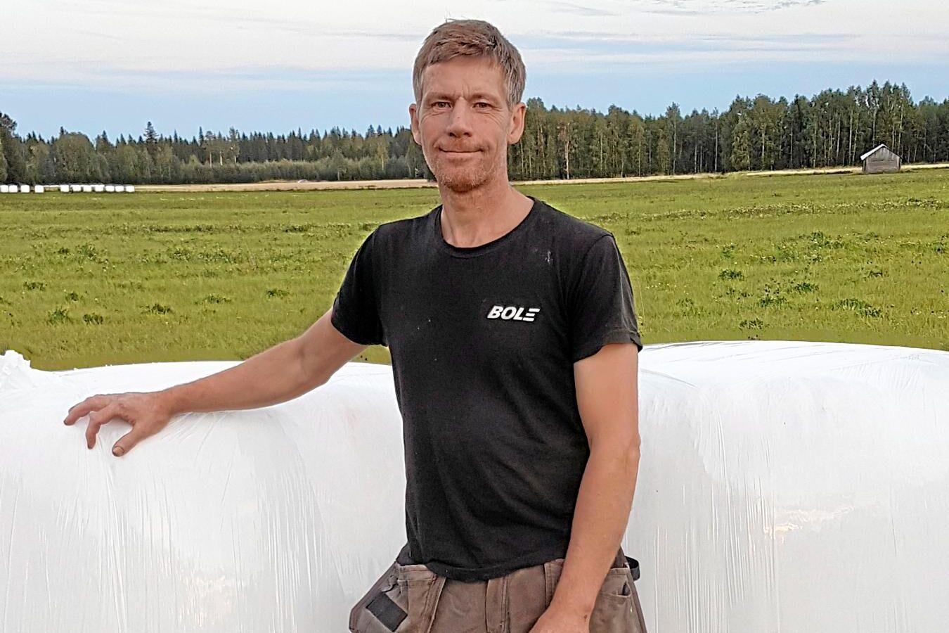 Anders Nilsson är nöjd med vall- och spannmålsskörden.