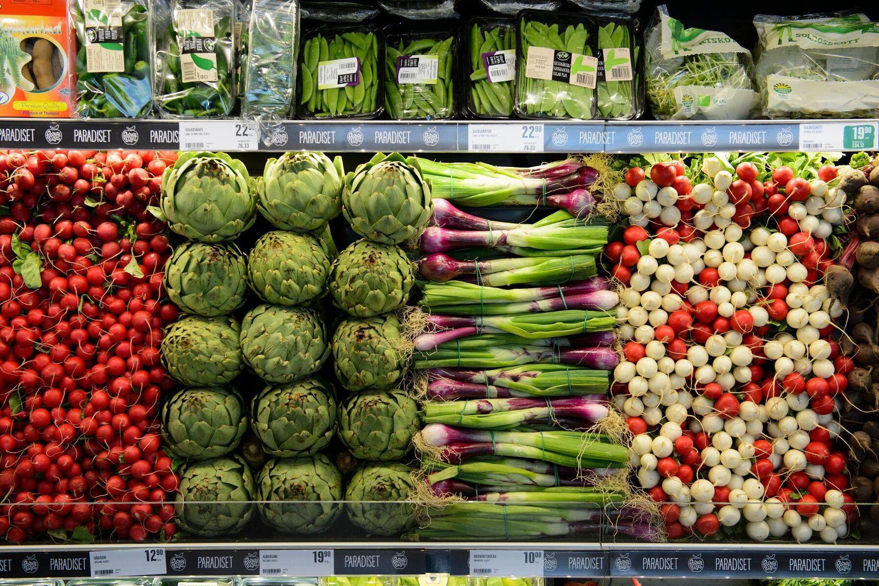 Lagen är tänkt att ge mer marknadsmuskler för små leverantörer av jordbruksprodukter till stora köpare, i handel och livsmedelsindustri.