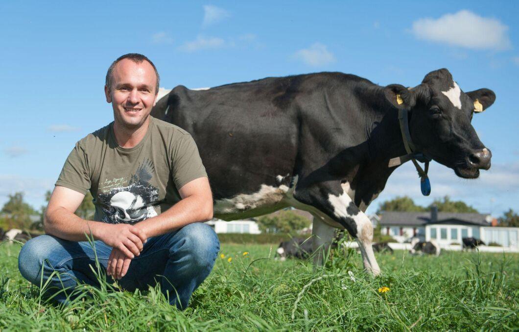 Tamás Bucsi - årets djurskötare - arbetar som förman på Stefans Lantbruk i Båstad med bland annat ekologisk mjölkproduktion.