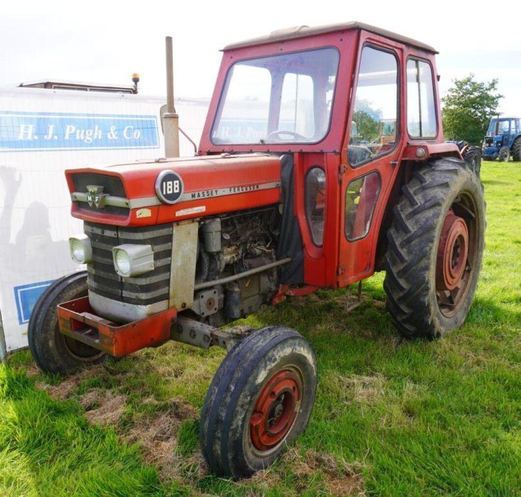 Kan en orenoverad Massey Ferguson 188 vara värd nästan 450000 kronor? Någon tyckte i alla fall det på helgens stora traktorauktion i England.