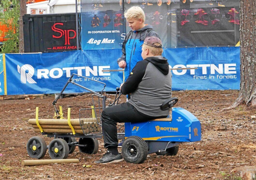 Rottne lockade den yngre publiken med sin F1-skotare.