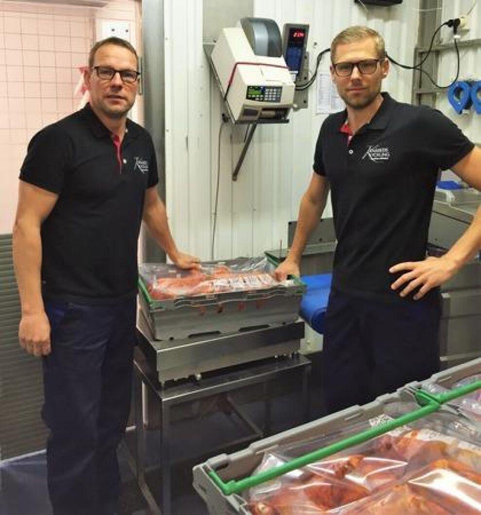 Johan Karlsson tillsammans med medarbetaren Peter Frejeberg.