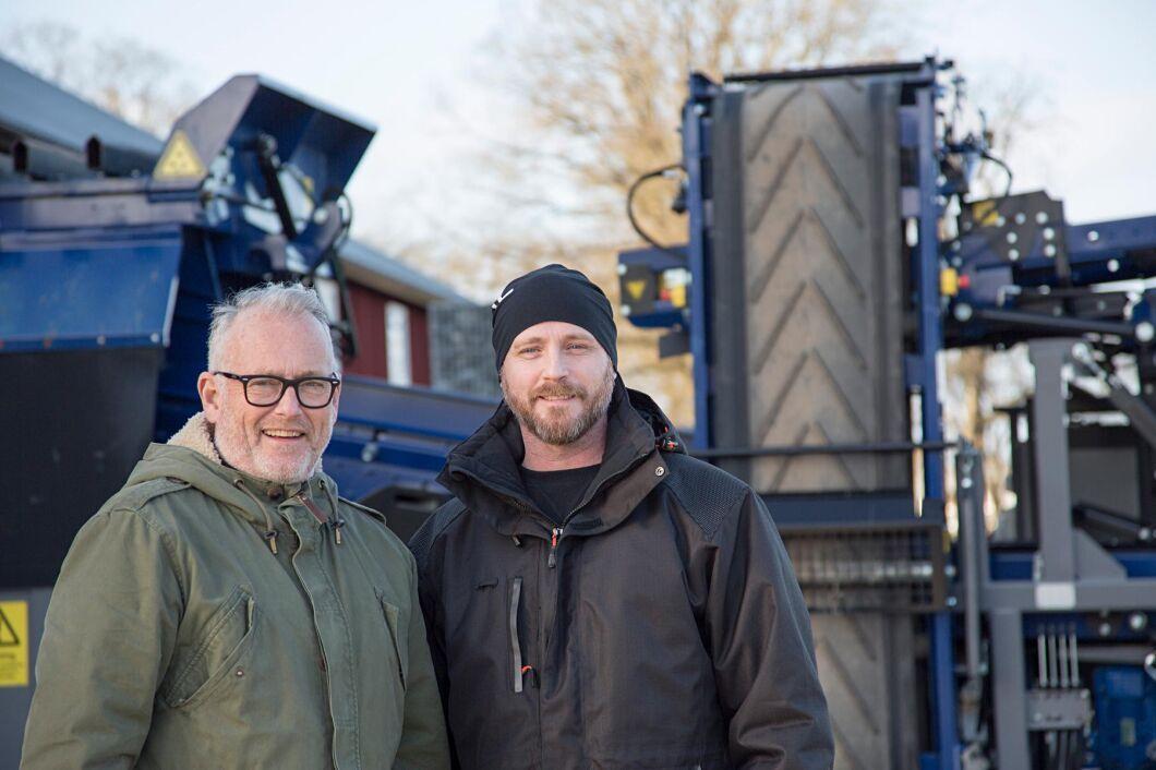 Bengt Johansson, som driver Bränninge Gård i Habo tillsammans med sonen Martin Gustavsson, sålde nyligen jordbruksmark till ett bostadsföretag - men den näringsrika myllan behåller de själva för att göra ny åker.