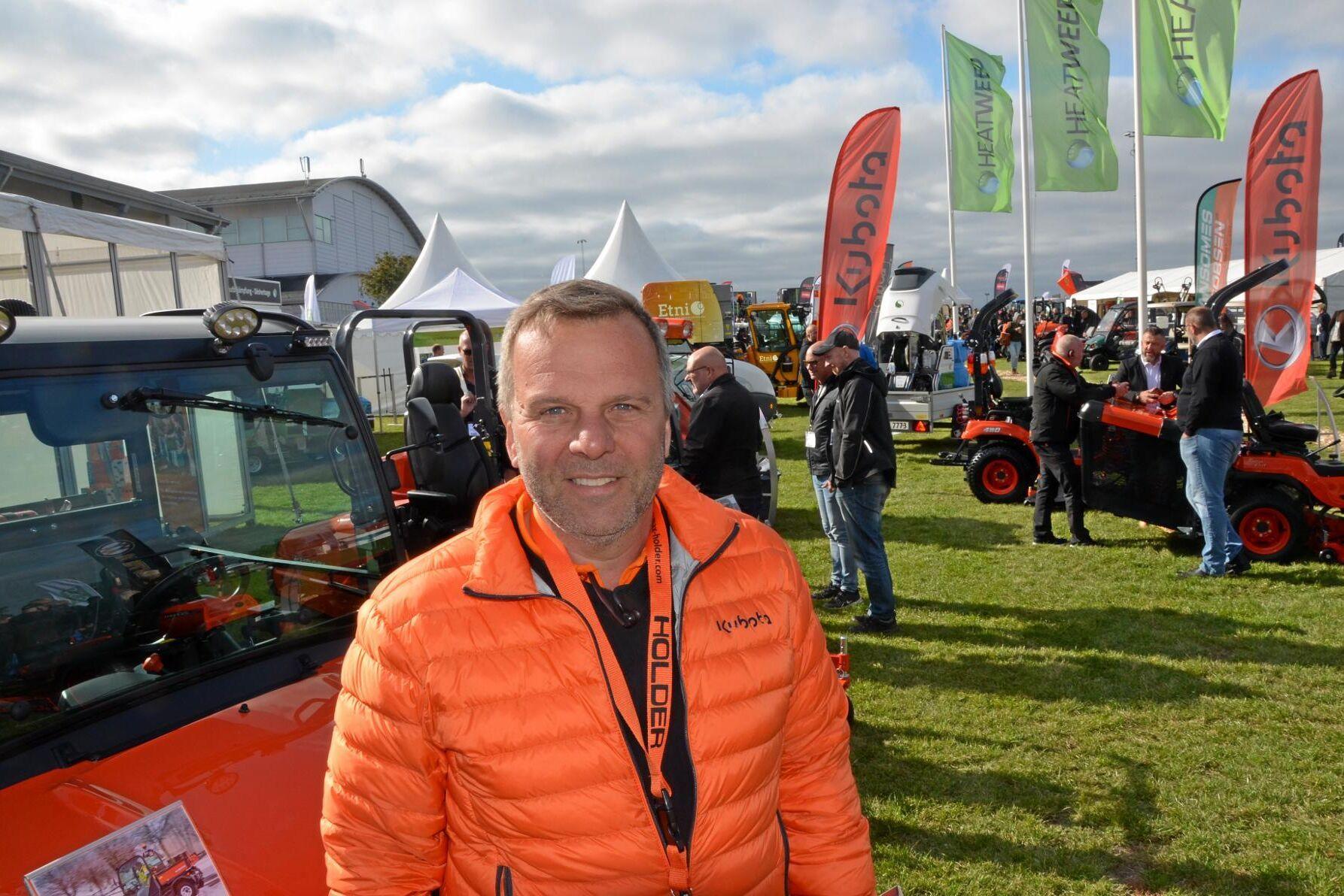 Marknaden är långt ifrån i fas än och många tvingas kompromissa i sitt val av maskiner när man måste nå sina klimatmål, menar Mats Axelsson vid Svenningsen Maskin AB.