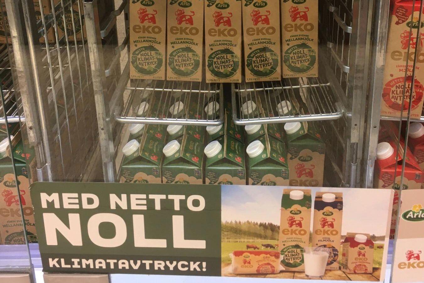 Försäljningen av ekologiska mejerivaror i Sverige fortsätter att backa för tredje året i rad.