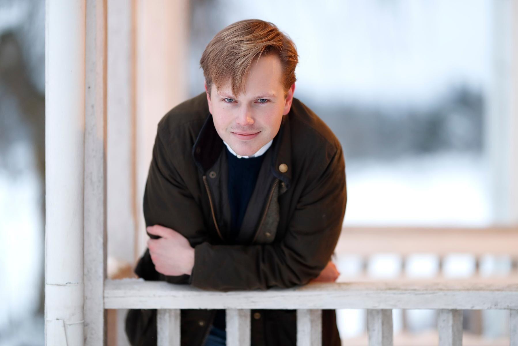 Edvard Hollertz förstärker ATL:s ledarredaktion på heltid från och med 1 februari.