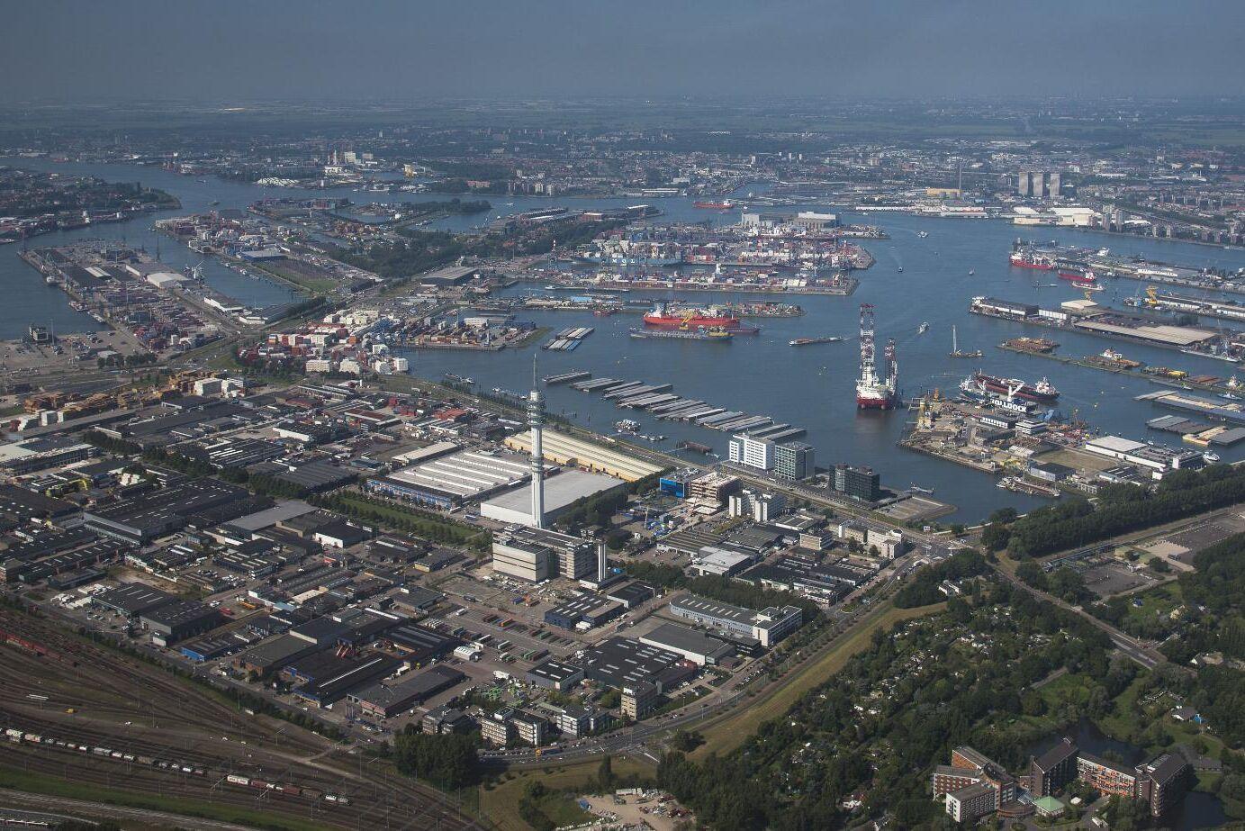 Rotterdams hamn är Europas största.