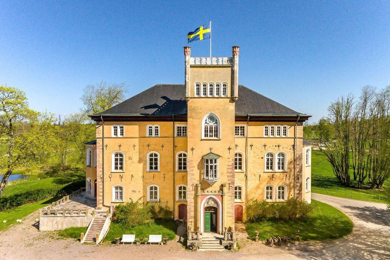 En av de dyraste gårdarna är Börstorps slott. Fastigheten låg ute till försäljning redan 2018 men annonsen togs tillbaka. Marken har sedan dess styckats av och troligtvis sker affär i början av året.