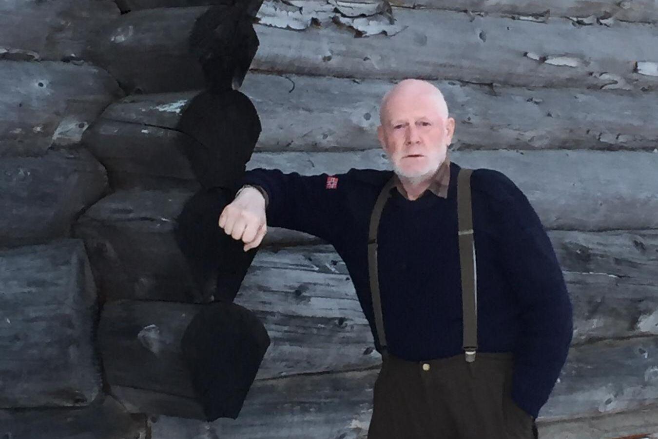 Göran Jonzon svarvar stockar som blir till unika trähus. Samtidigt ökar samtidigt förädlingsvärdet 48 gånger.