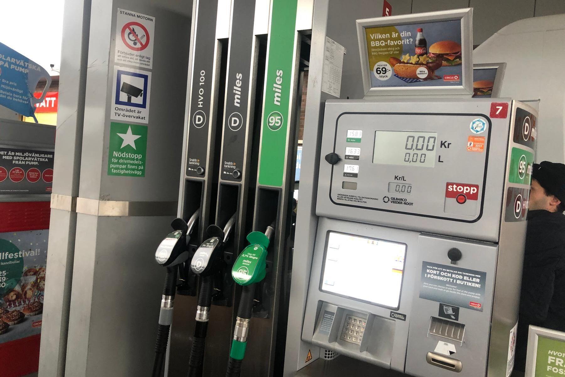 De nuvarande priserna på diesel och HVO-100 är de lägsta sedan januari 2019. Arkivbild.
