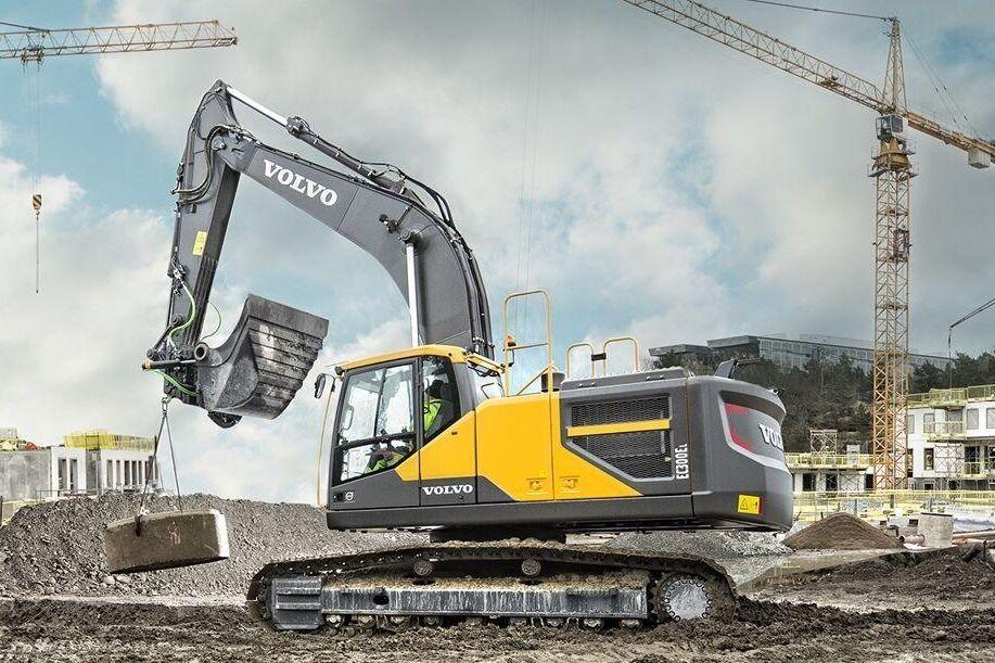 Det nya elhydrauliska systemet både sparar rejält med bränsle och ökar produktiviteten enligt Volvo CE och Norrhydro.