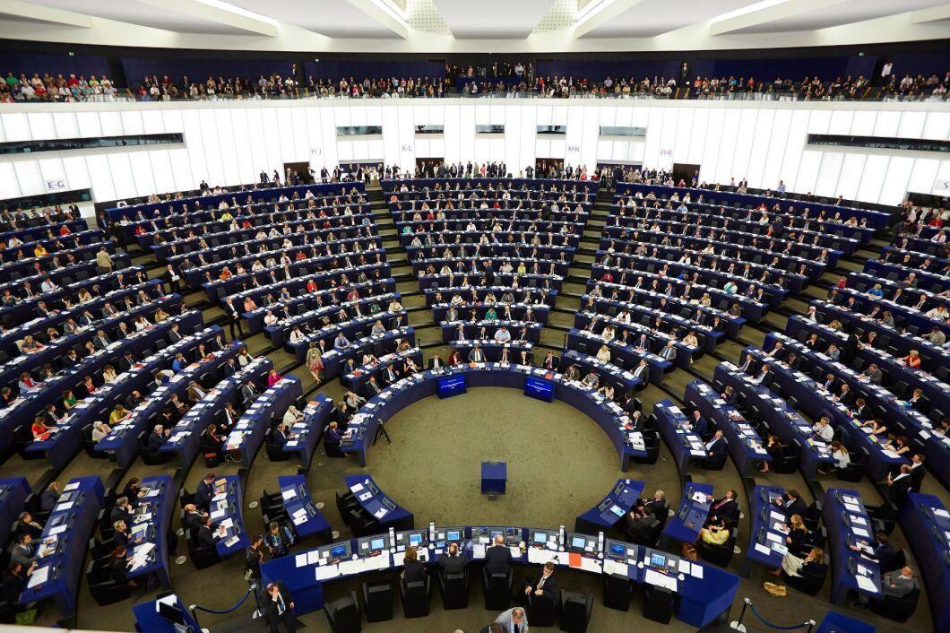 EU-parlamentet i Strasbourg. Många av EU-parlamentarikerna ingår i tvärpolitiska grupper som både kan ledas av, och få finansiering ifrån, intresseorganisationer.