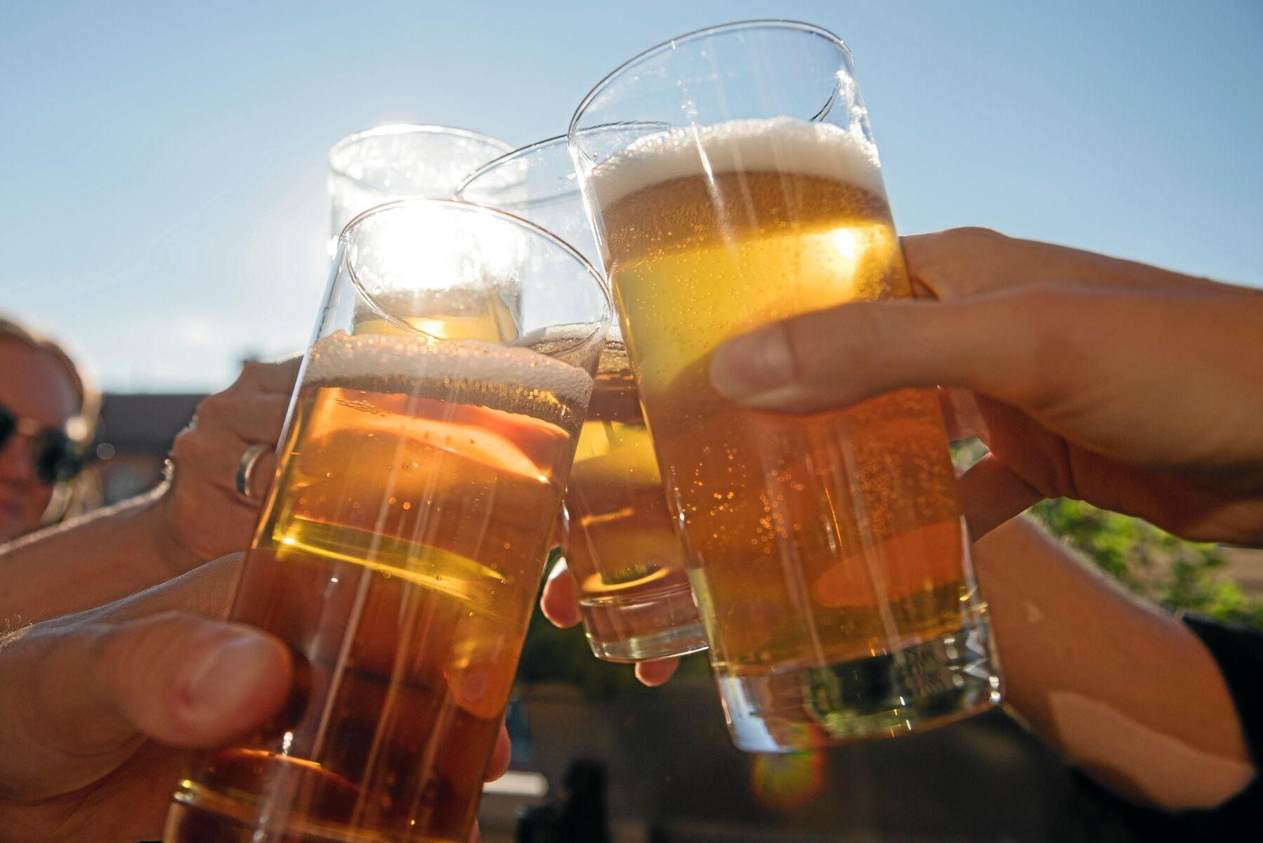 Värmeböljan och fotbolls-VM har inneburit klirr i kassan – och kan göra 2018 till det bästa året hittills för den svenska bryggerinäringen. Arkivbild.