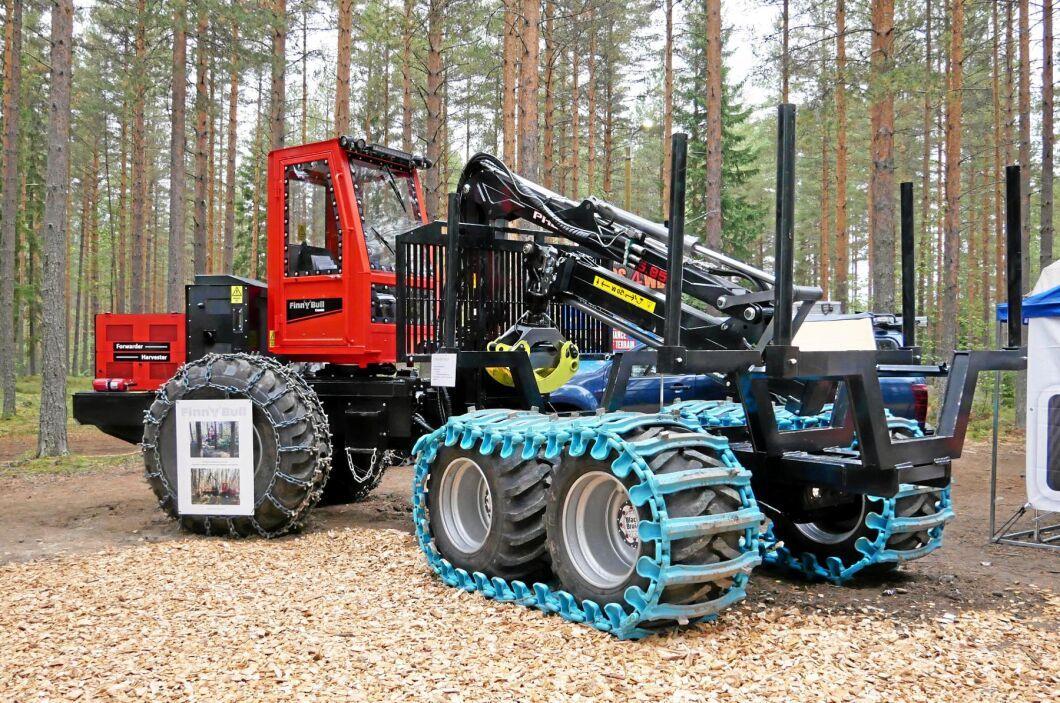 Kombimaskinen Finnbull har hittills bara sålt i ett exemplar. Finnbull har en kran från Palms och i skördarutförande har den ett Keto Forst Extreme-aggregat.
