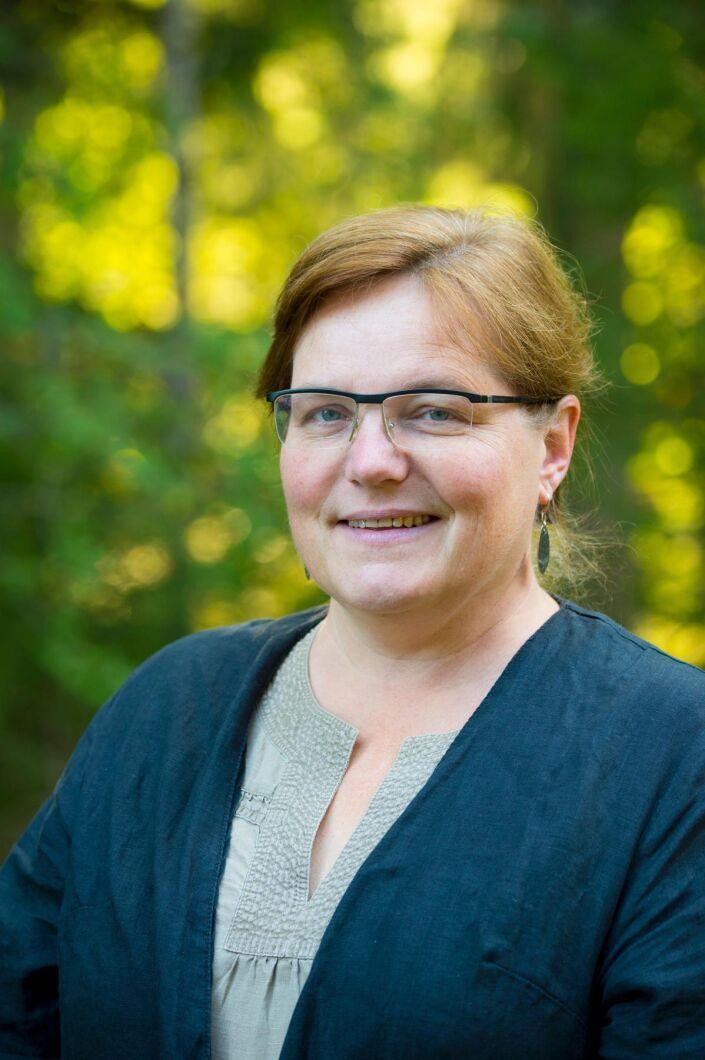 Mariann Holmberg kommunikationsansvarig på Norrmejerier beklagar att smörproduktionen får stänga i brist på råvara.