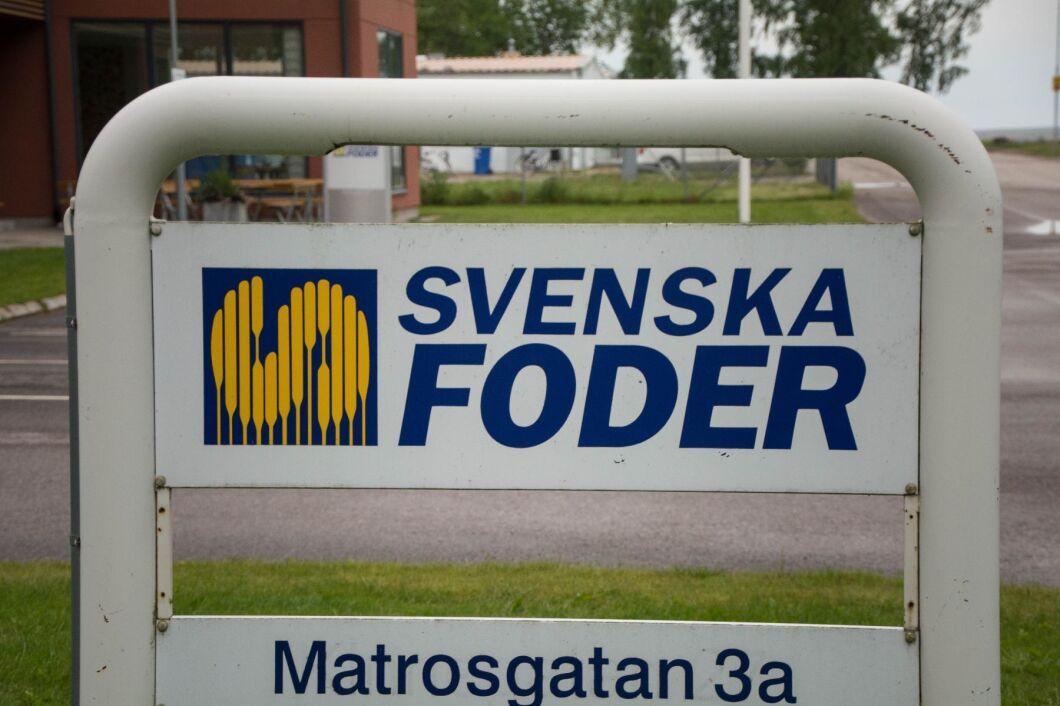 Svenska foder har köpt Skåne-möllans aktier i Vallåkra Lantmannaaffär.