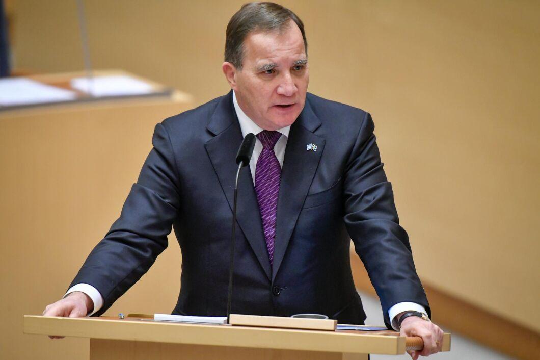 Statsminister Stefan Löfven (S) är inte beredd att lägga ned svensk minknäring på grund av coronasmittan.