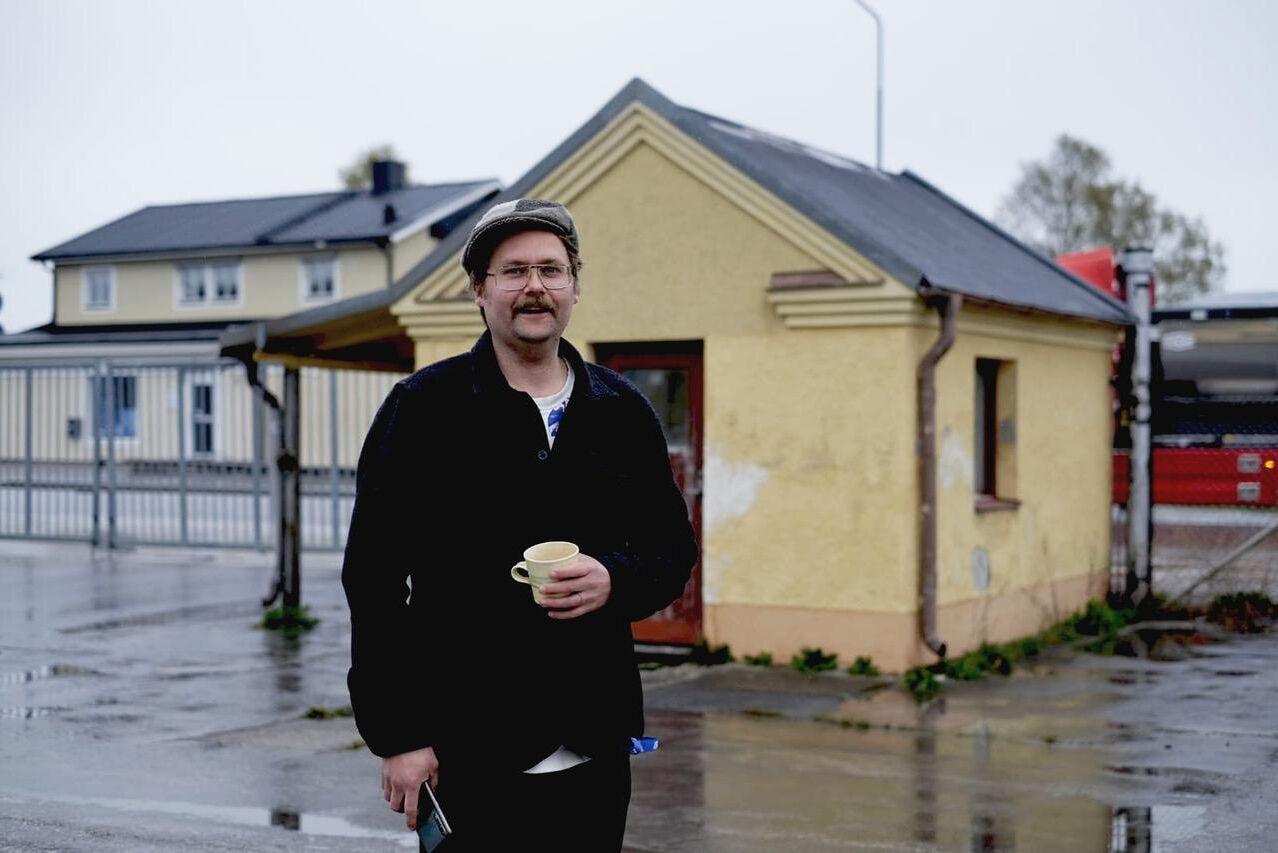 Petter Bendelin hade jobbat länge som ambulerande korvmakare och konsult, men när coronapandemin satte stopp för hans uppdrag i våras flyttade han tillbaka till Gotland och startade sin egen korvfabrik.