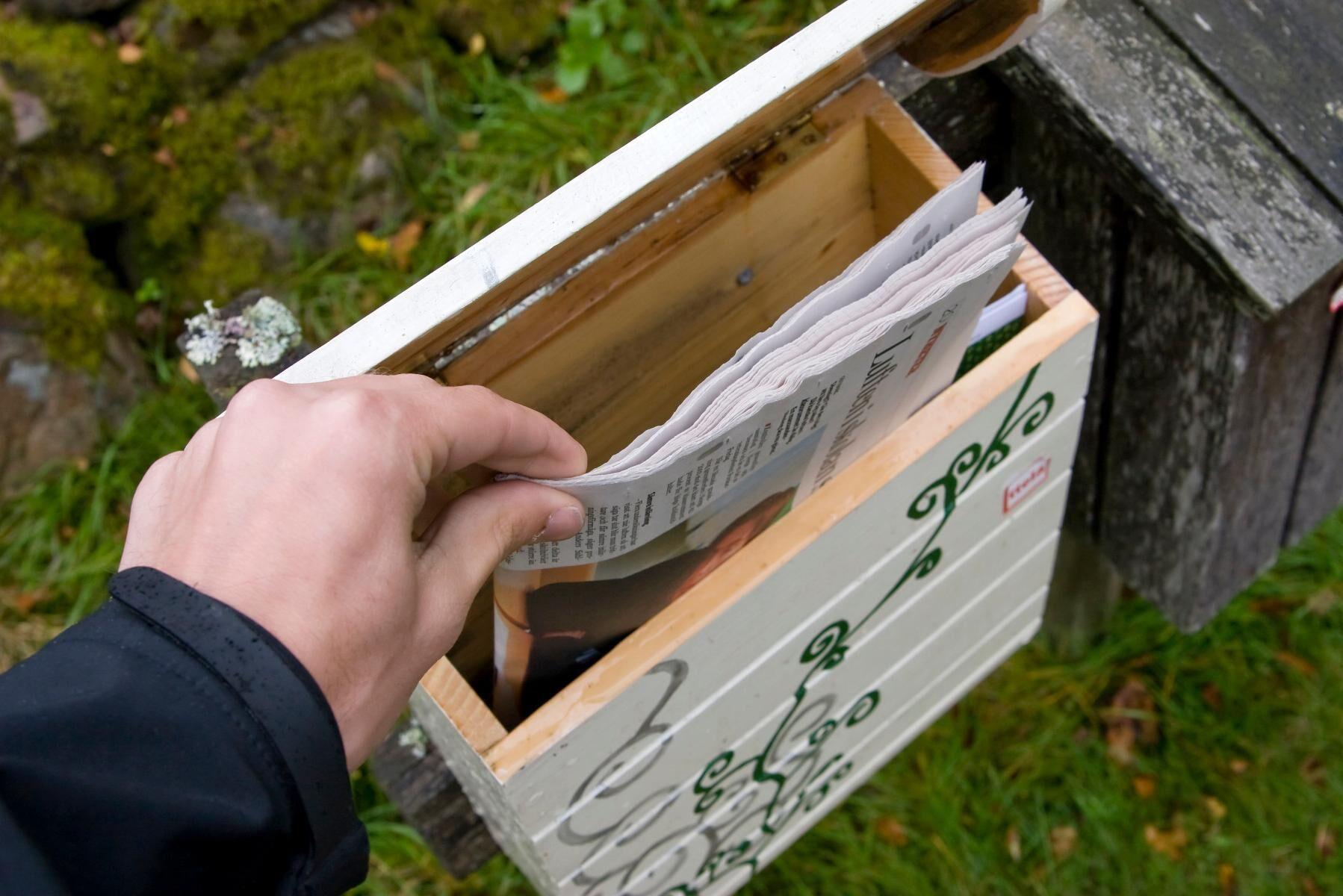 Sedan 2016 konkurrerar tidningsbuden med Postnord på paketmarknaden.