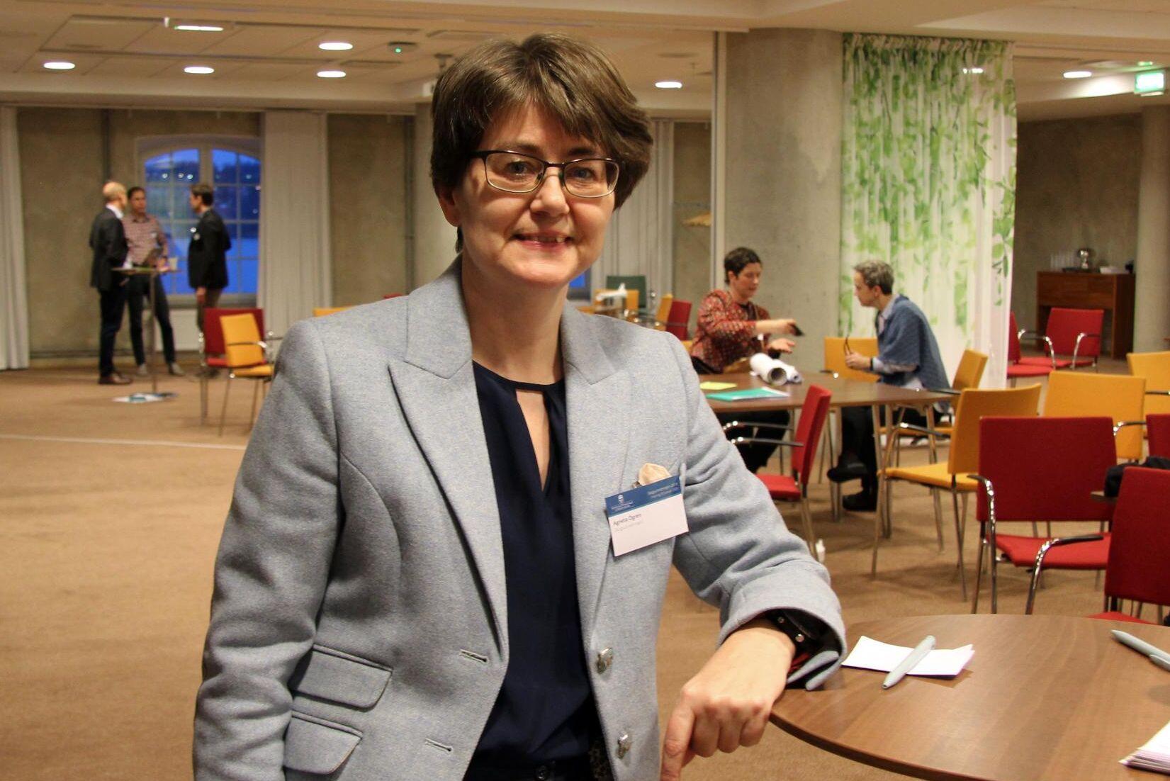 """Skogsutredningen möts av kritik från de flesta håll. """"Om vi står mitt i snålblåsten så kanske vi har hamnat rätt"""", säger Agneta Ögren."""