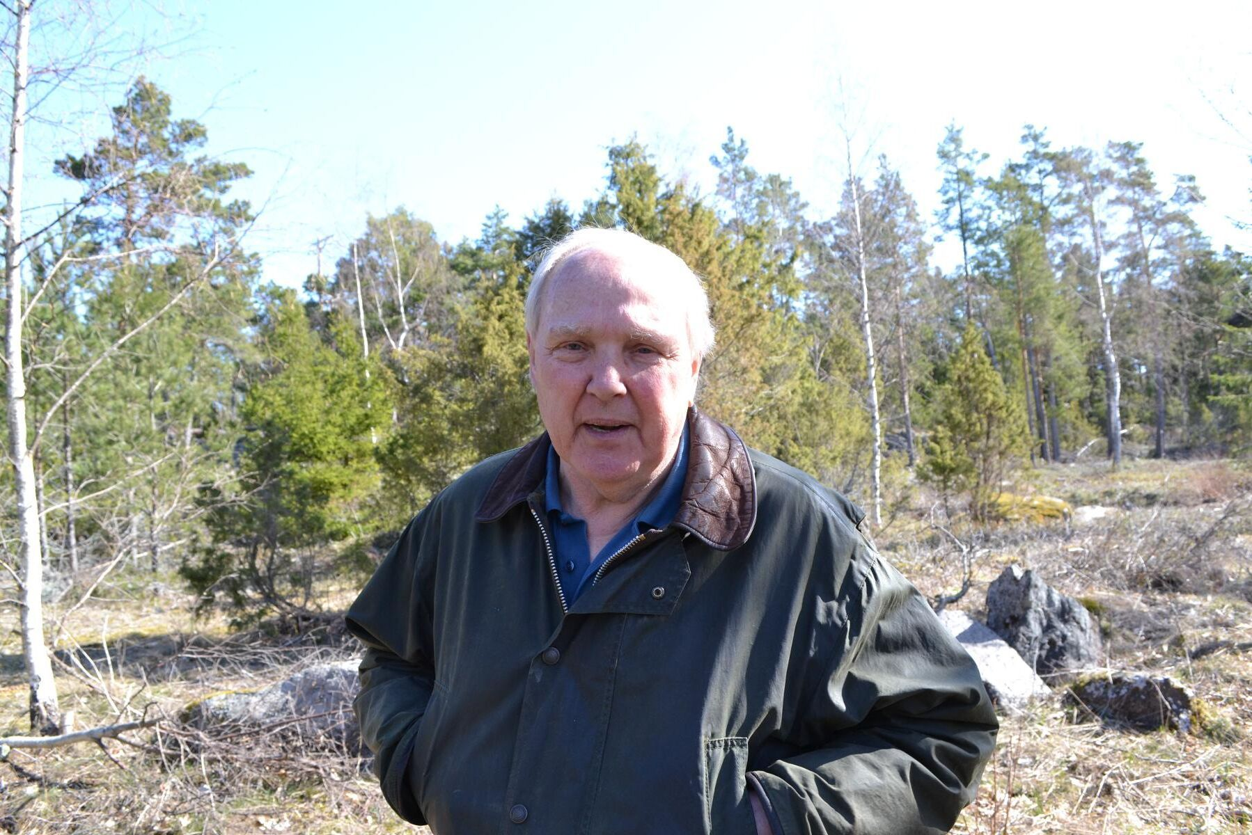 """""""Det är något i grunden felaktigt med prisbilden på virke norr om Mälardalen, och det hämmar skogsbruket"""", säger Tommy Hegestrand."""